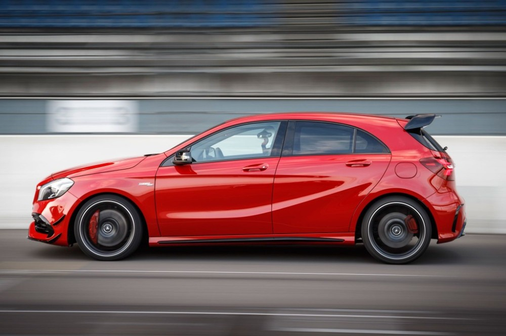 2016-mercedes-amg-a45-4matic-side-1024x680