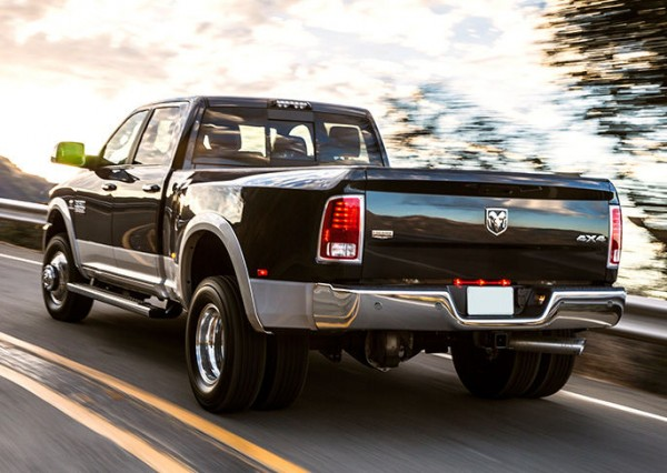 2017-dodge-ram-3500-rear-view-exterior-taillights-and-tailpipe