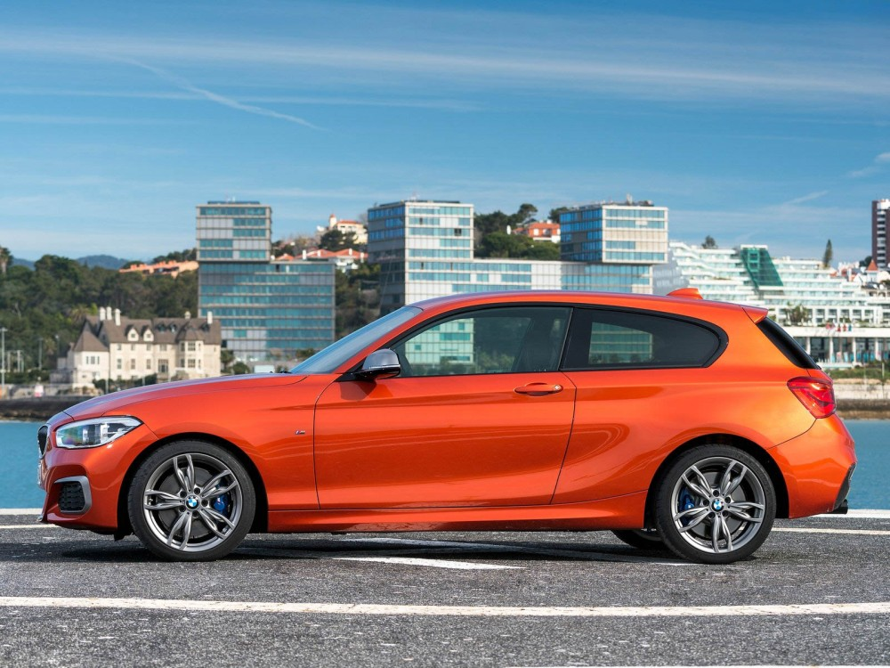 bmw-m135i_2016_1600x1200_wallpaper_1d-2
