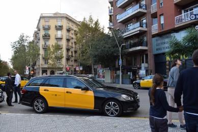 Mercedes Benz E class Wagon taxi