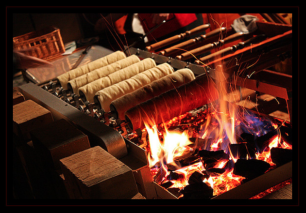 chimney-cake-at-christmas-market-budapest