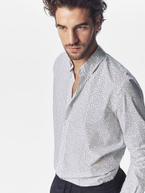 SLIM FIT SMALL PRINT SHIRT